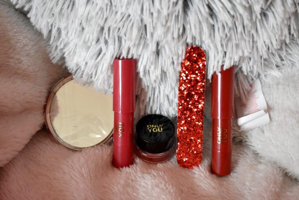 De derde vijf producten uit de adventskalender van Only you: love at first bite 2020. De adventskalender met producten van het make-upmerk van ICI Paris XL.
