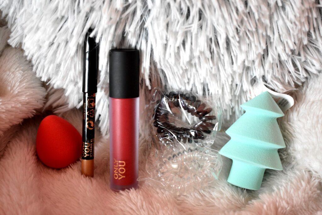 De vierde vijf producten uit de adventskalender van Only you: love at first bite 2020. De adventskalender met producten van het make-upmerk van ICI Paris XL.
