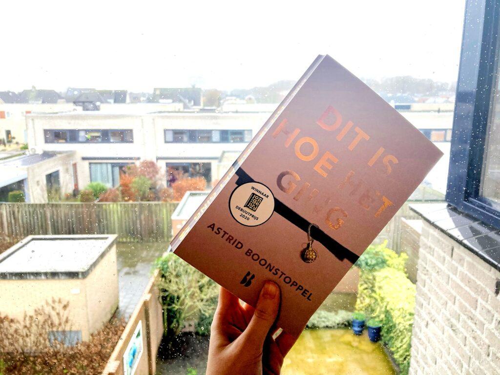 Het boek ' Dit is hoe het ging' van Astrid Boonstoppel